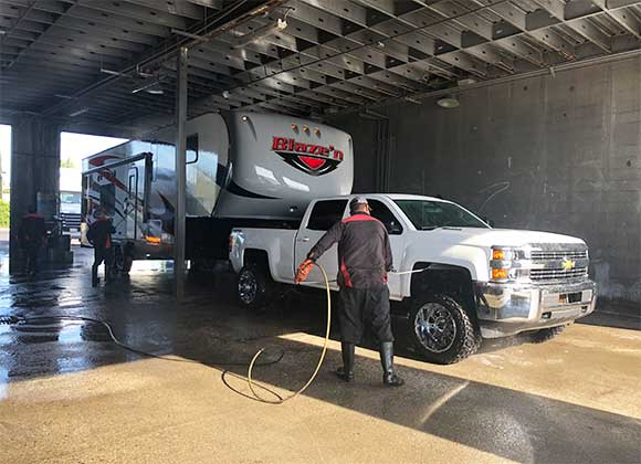 local truck washing service in Lathrop